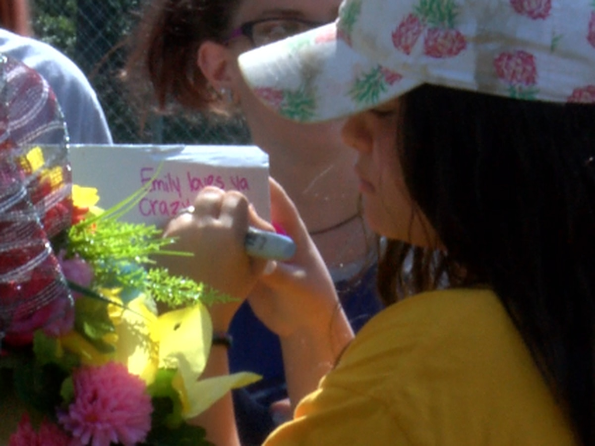 FCAHS students hold vigil for classmate killed in crash