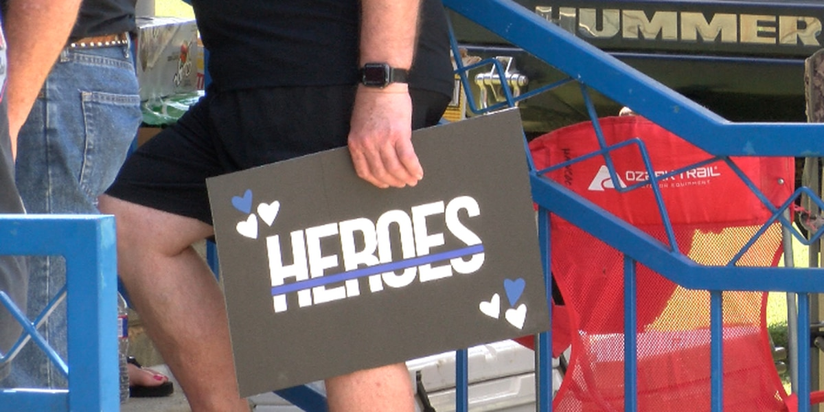"""""""Back the Blue"""" event held in Petal Saturday"""