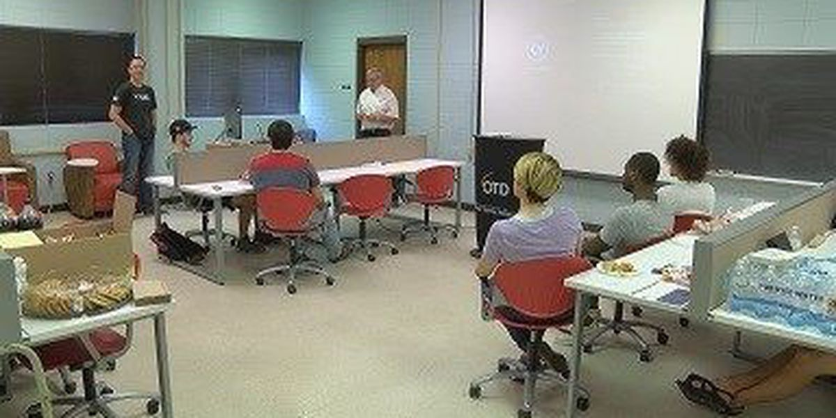 Brown bag lunch held for USM students in new national security course
