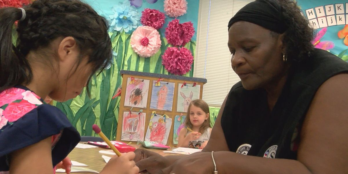 Foster grandparents changing lives at Jones Co. school