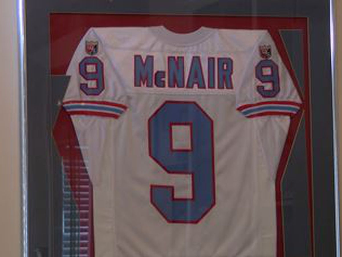 Tennessee Titans to retire Steve McNair's jersey