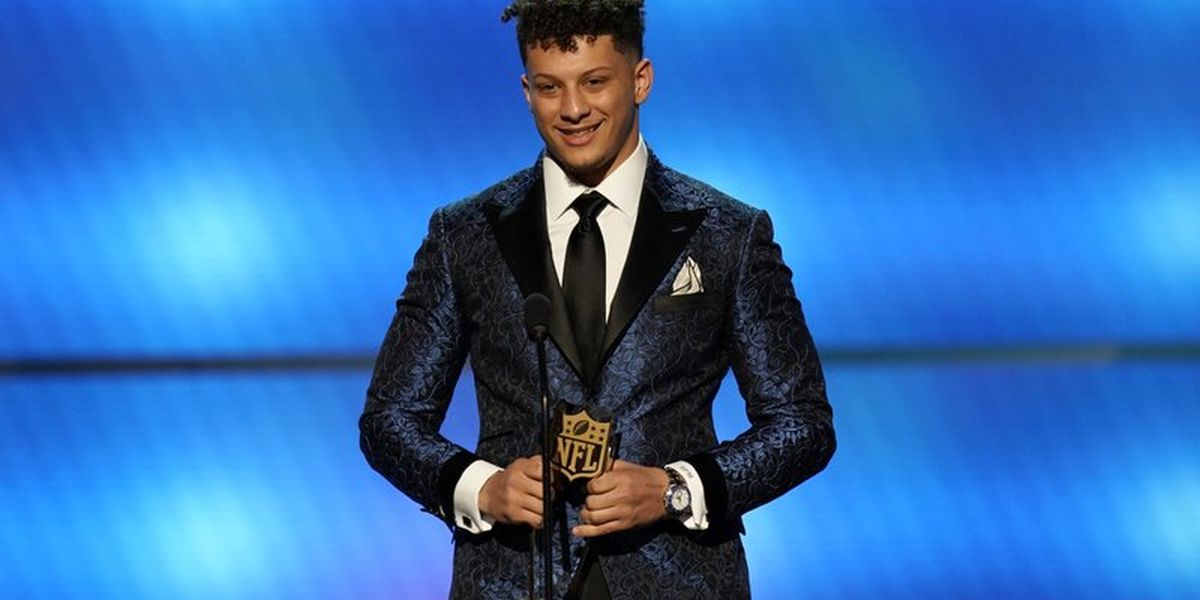 Chiefs QB Mahomes takes MVP and top offensive player awards