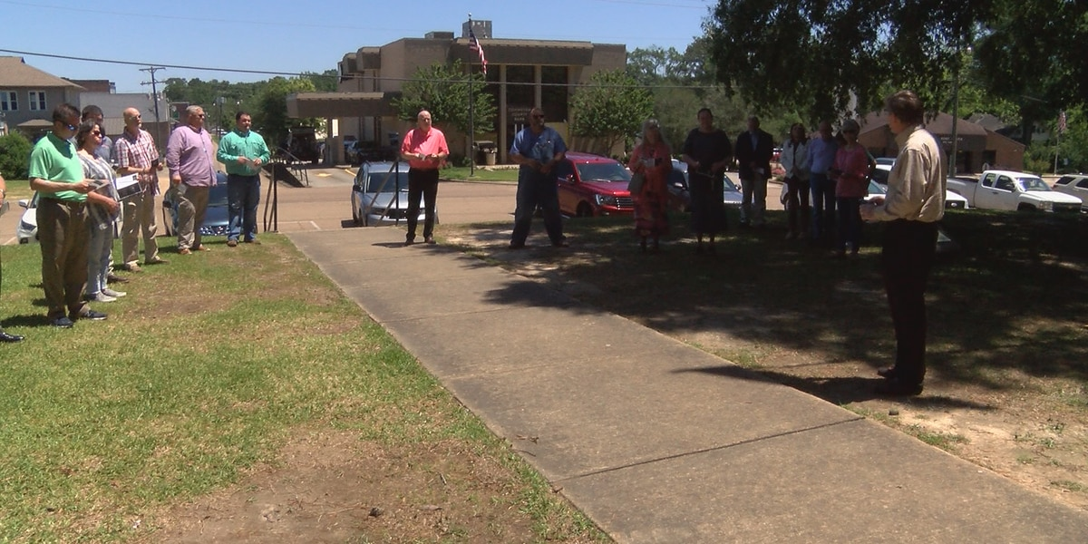 Covington County residents participate in National Day of Prayer