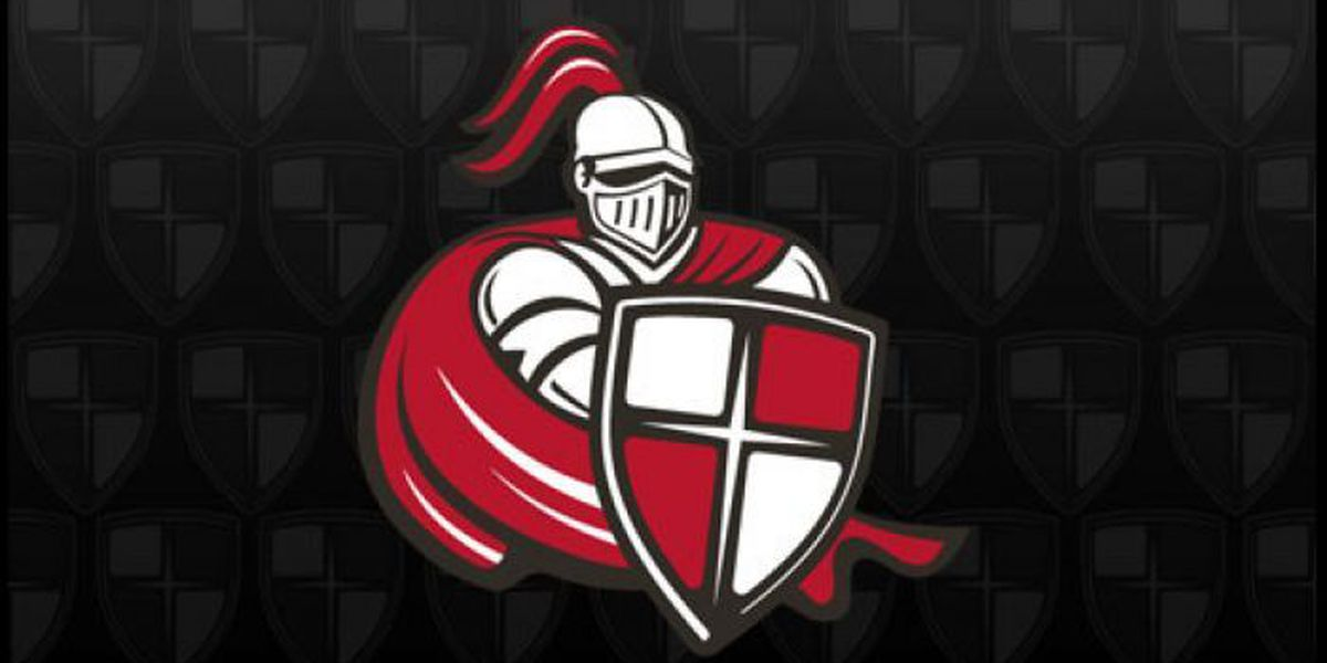 Lady Crusaders hold off Mobile, 63-60