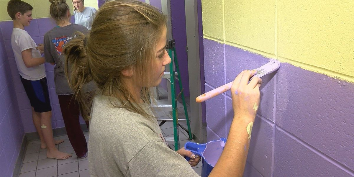 Purvis Middle School students give back