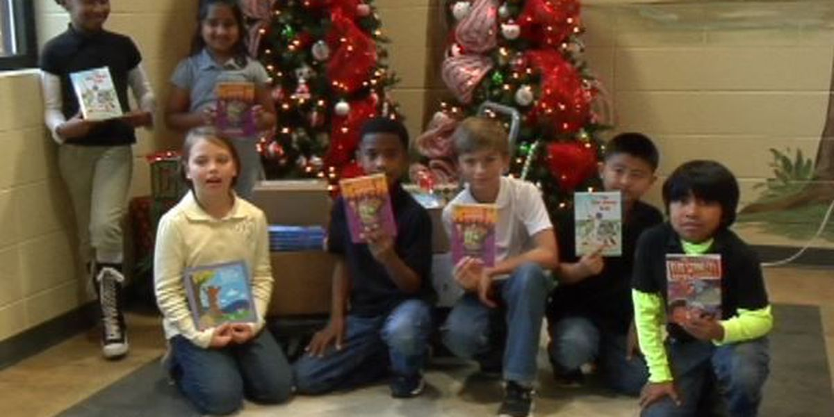 Pine Belt 360 gives books to third grade students