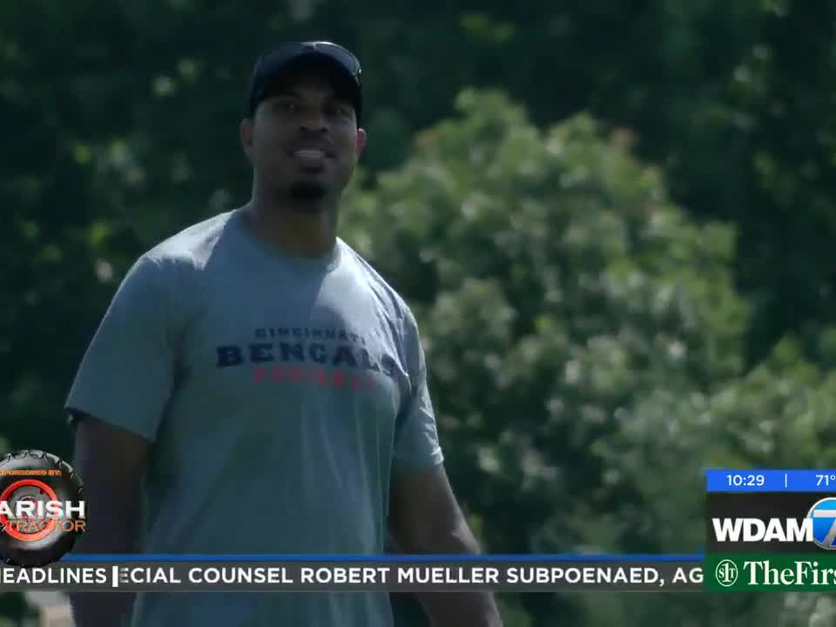 Former/current NFL players host football camps in Pine Belt
