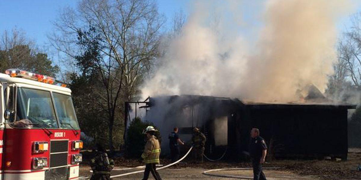 Hattiesburg Fire Department responds to building blaze