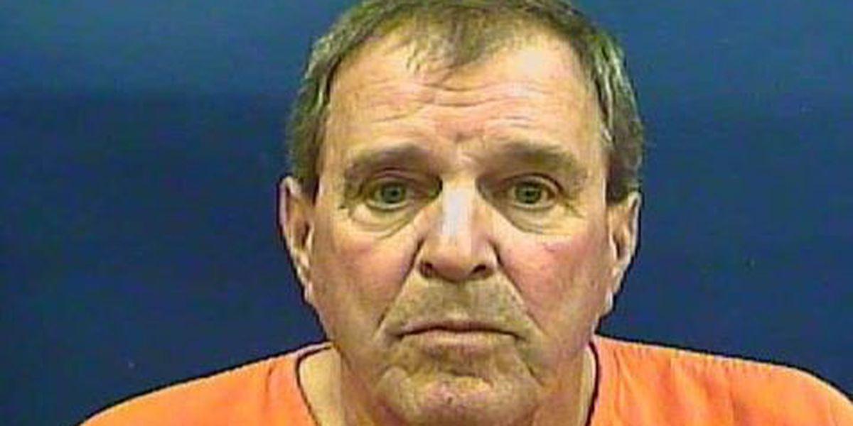 Lumberton alderman pleads guilty to shoplifting charge