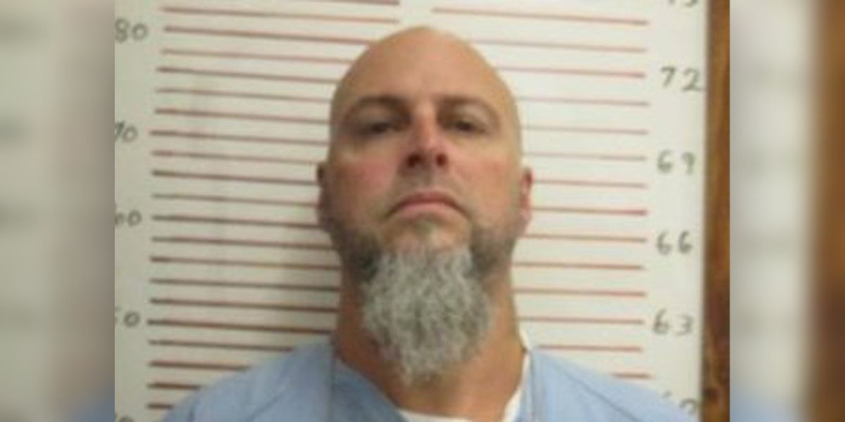 Escaped inmate on run after correctional administrator found dead at Tenn. prison