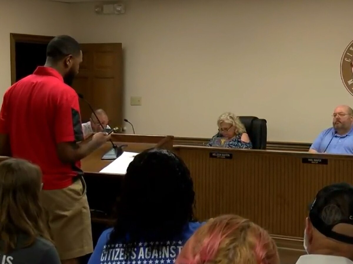 Protesters pack Petal Board of Aldermen meeting