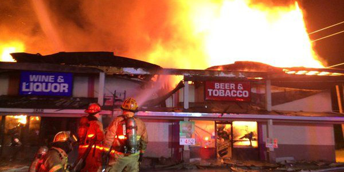 PHOTOS: Firefighters battle fully involved fire in Hattiesburg