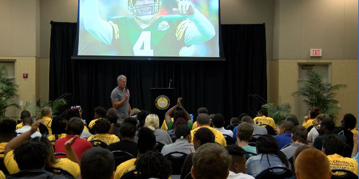 Brett Favre speaks at USM event for students with disabilities