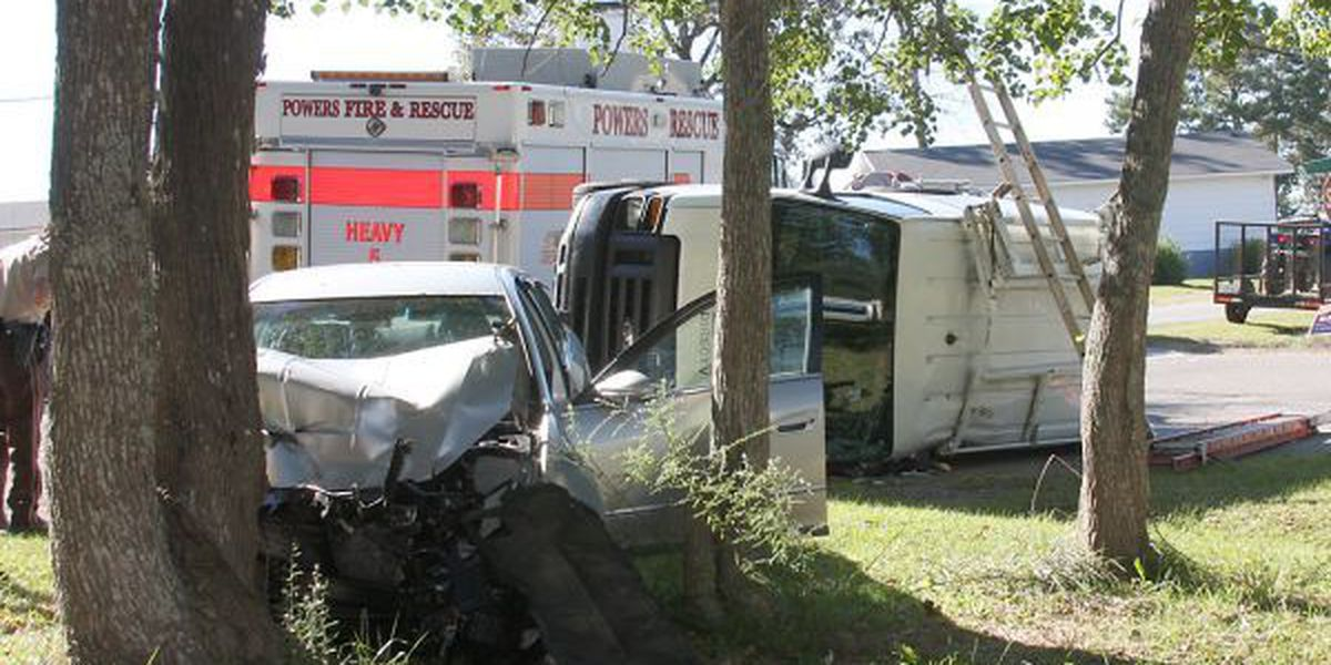 Jones County accident sends three to hospital