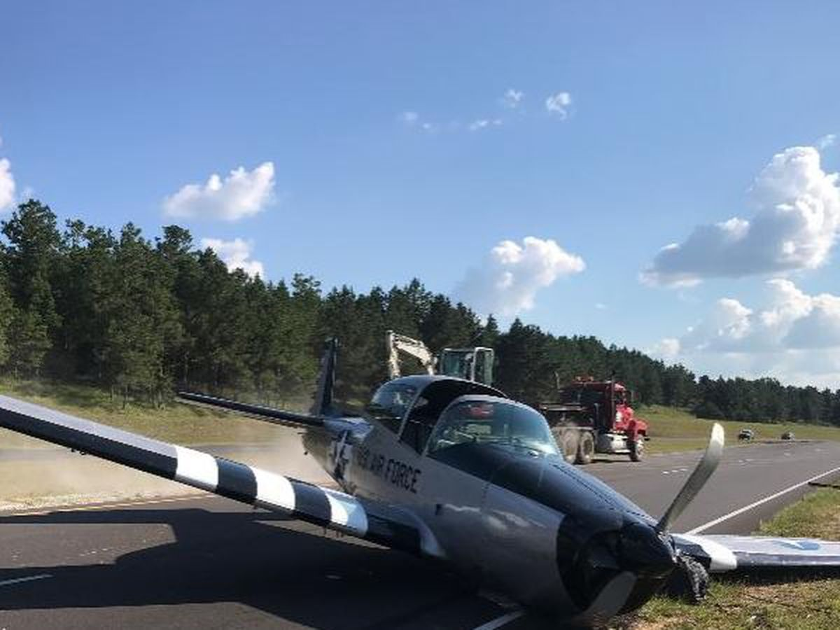 Airplane makes crash landing in Clarke County