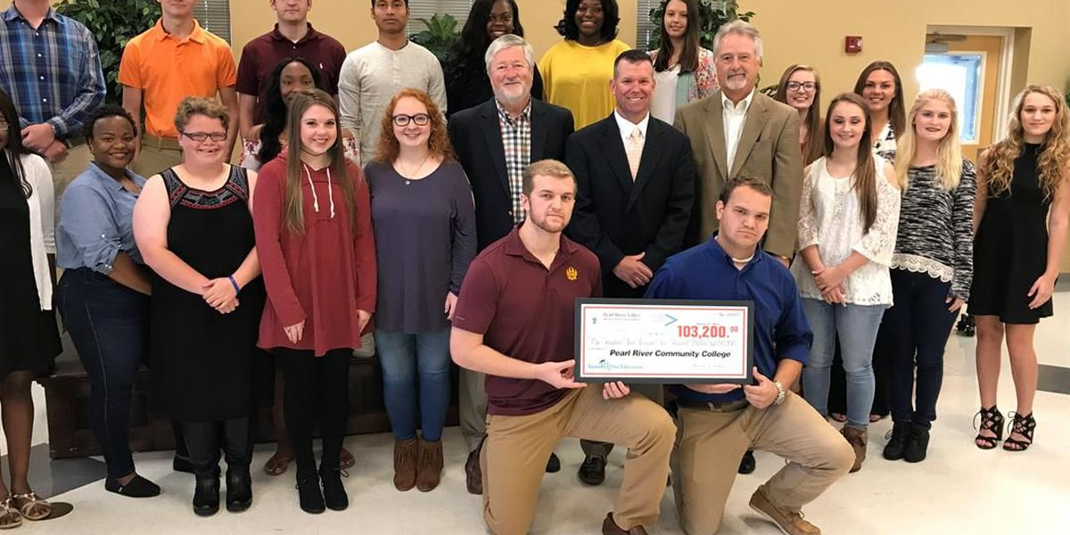 Dozens of students get PRVEPA's Round Up scholarships