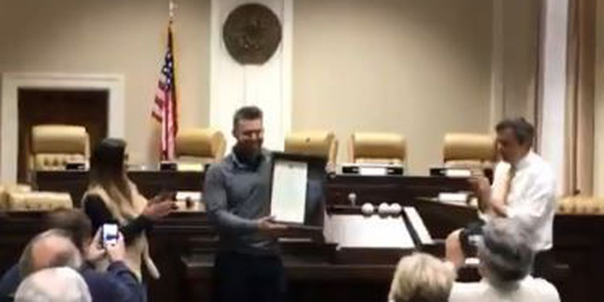 USM alum Brian Dozier honored with key to the city