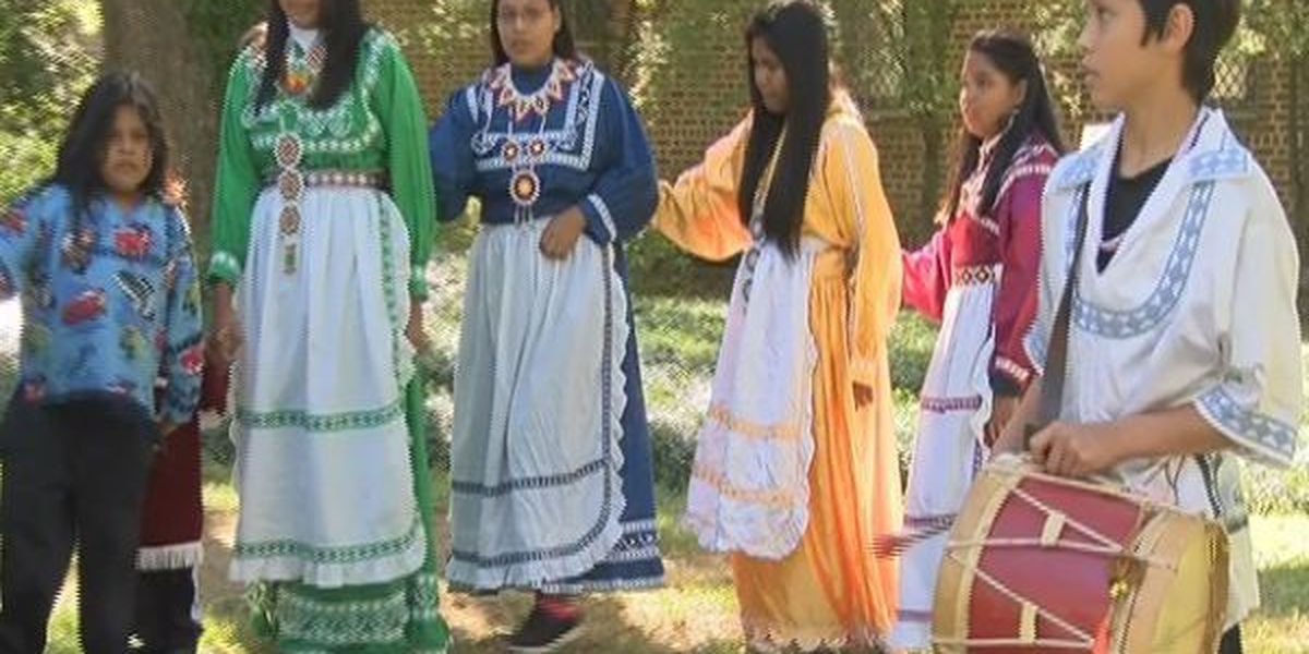 Fourth graders participate in Choctaw Days at LRMA