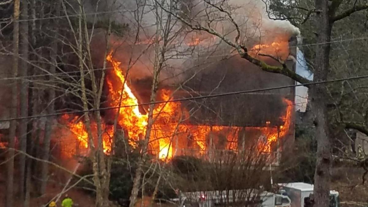 Fire destroys Oak Grove home
