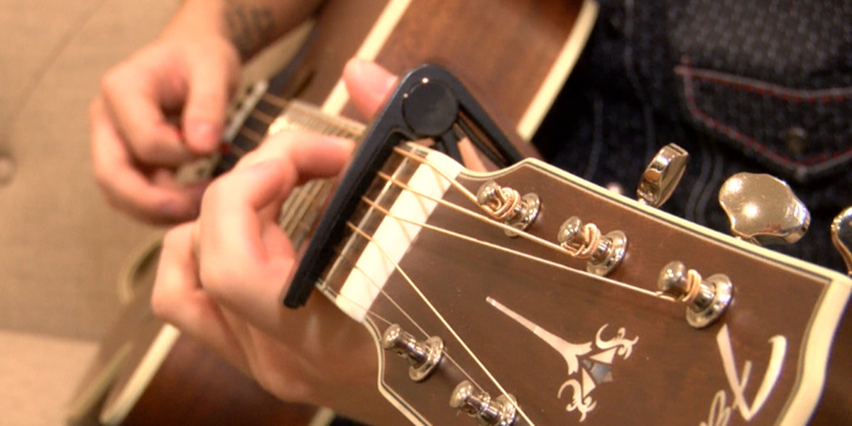 Pine Belt musician signs record deal in Nashville