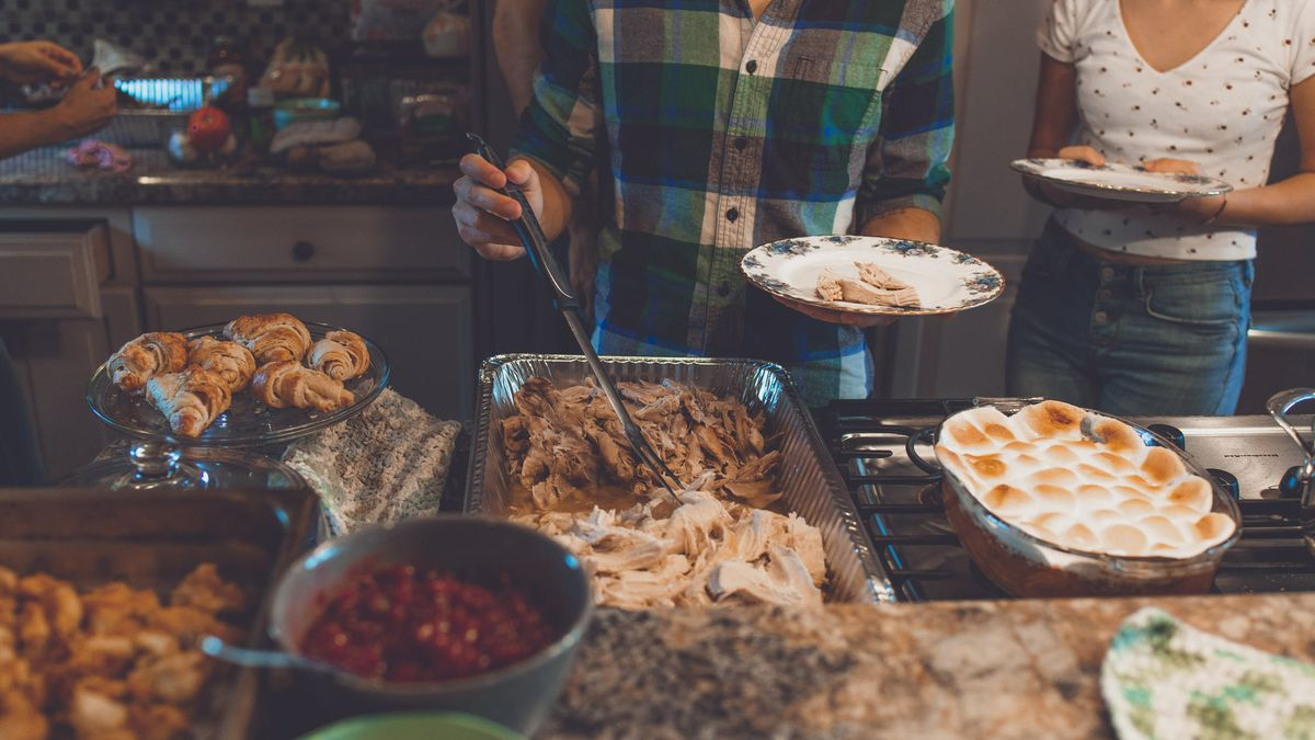 Tips on how to navigate political Thanksgiving table talk