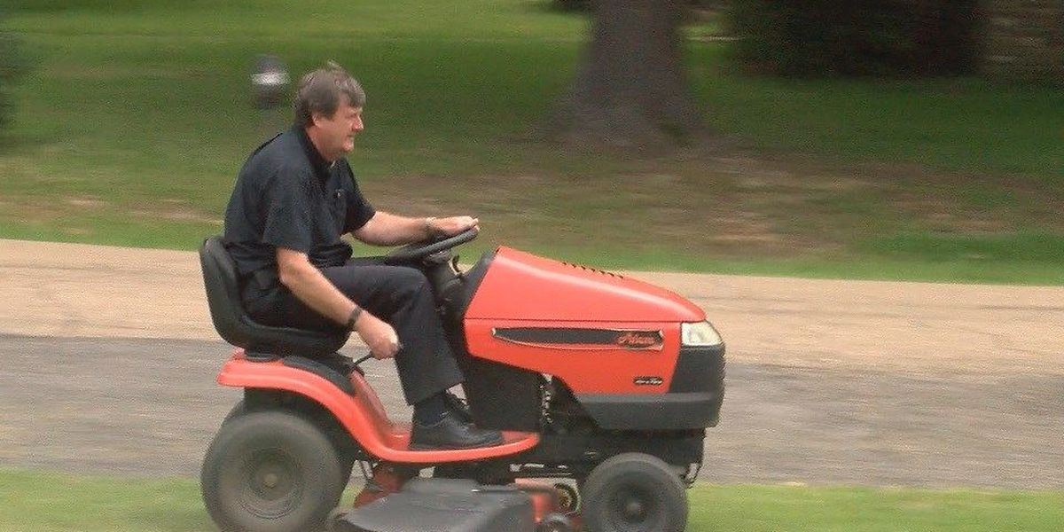 Hattiesburg priest makes an impact with little acts of kindness