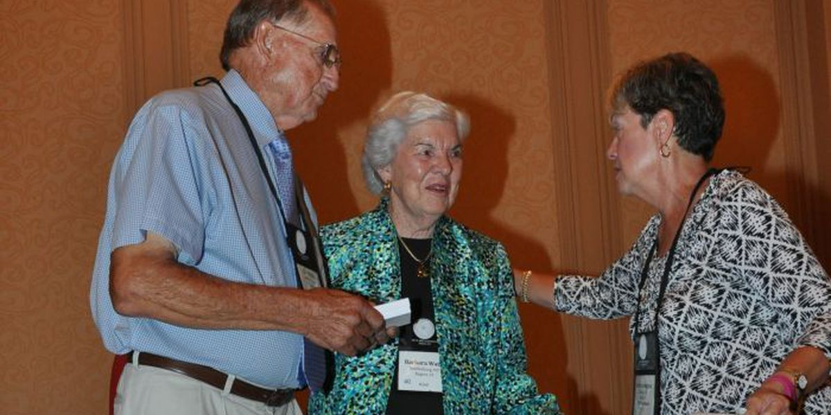 Barbara and Earl Watts receive nation's highest Daylily Award