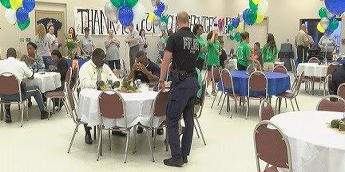 Hattiesburg Clinic hosts grill-out for law officers