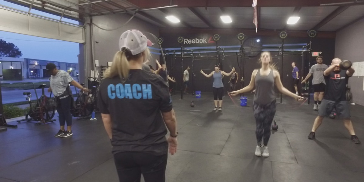 Fitness experts encourage early morning workouts