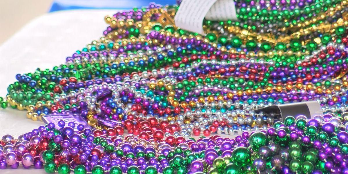 Hattiesburg Zoo collecting Mardi Gras beads for a good cause