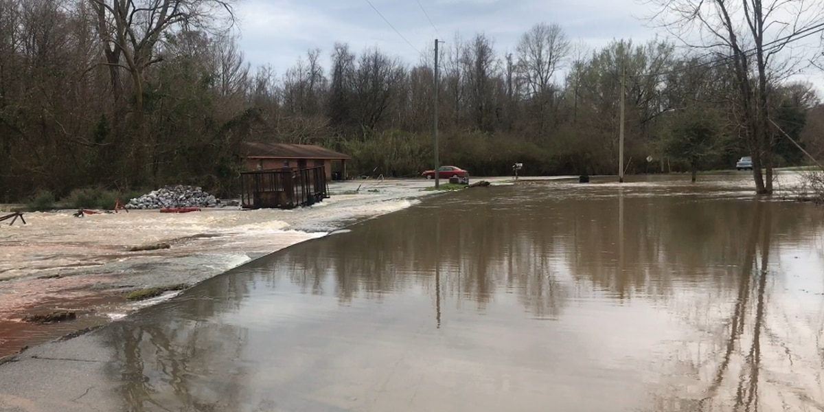 Columbia facing drainage backup due to river flooding