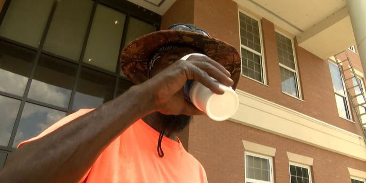 Doctors encourage outdoor workers to stay cool and hydrated this summer