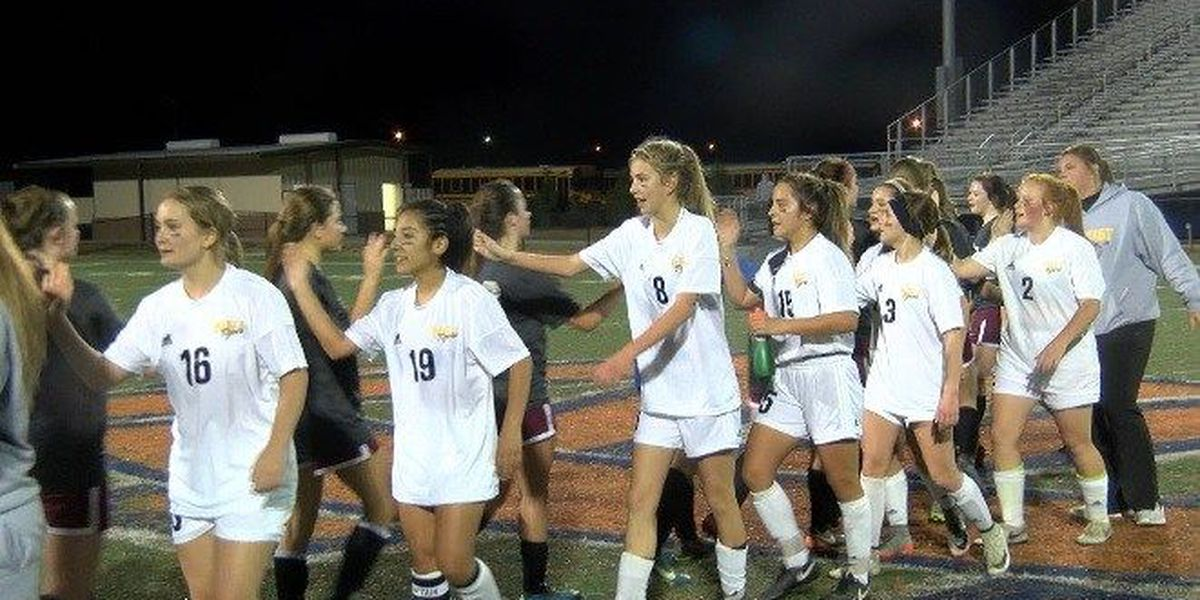 Highlights: Girls soccer playoffs