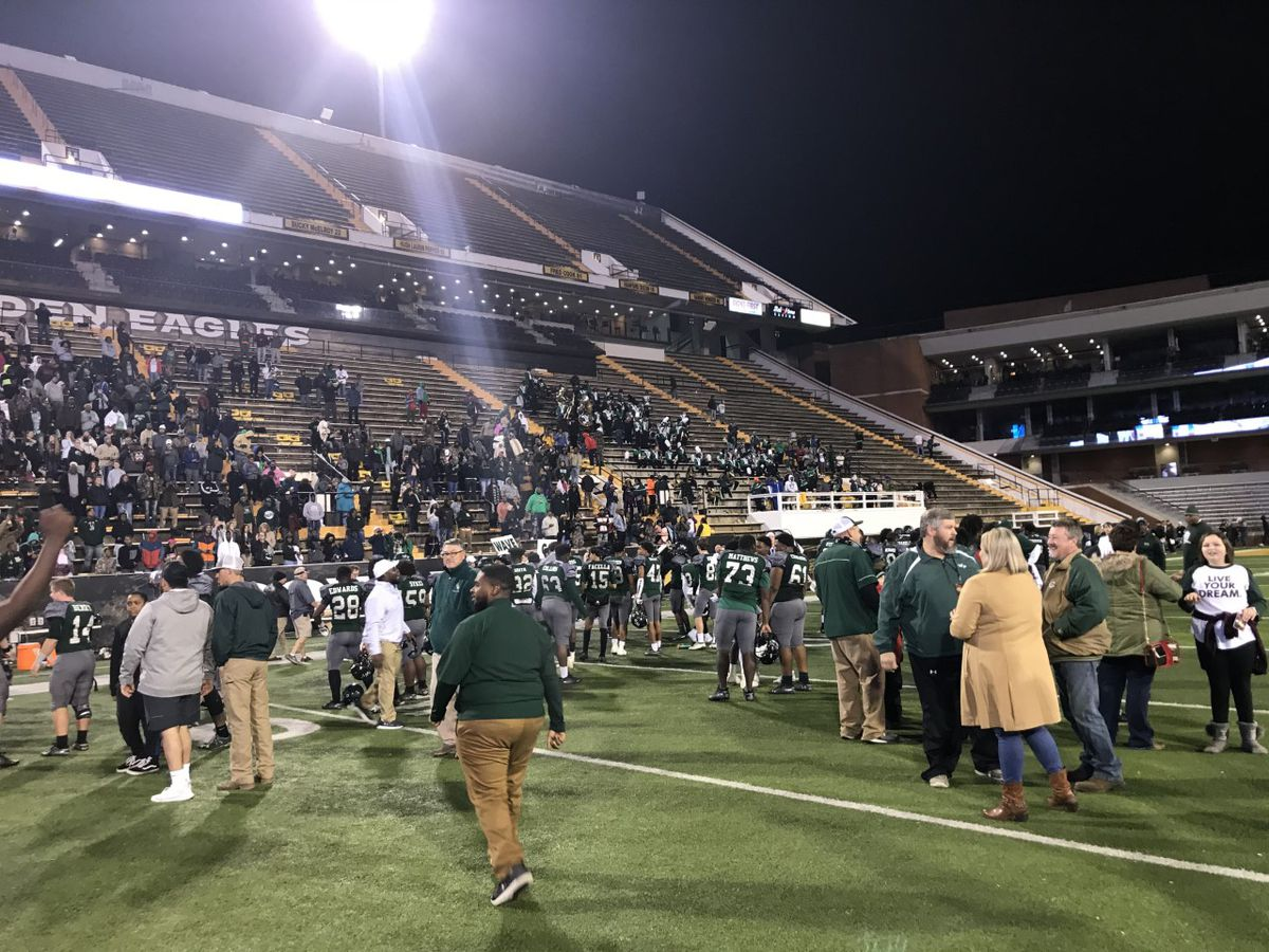 West Point successfully defends their 5A state title against Picayune, 38-26