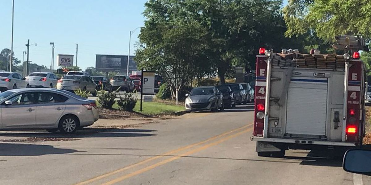 Crash closes southbound lane on US 49 before Hardy Street