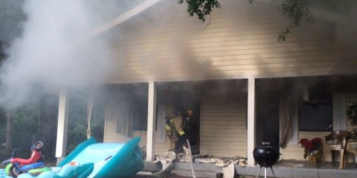 Fire damages Hattiesburg duplex