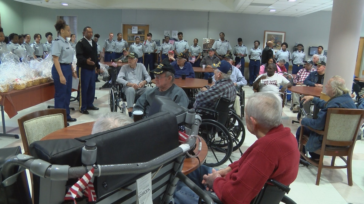 Jefferson Davis Co. JROTC cadets honor Collins veterans with gifts