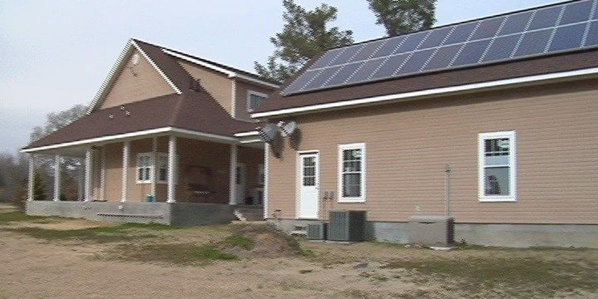 House bills give tax credits to solar panel home owners