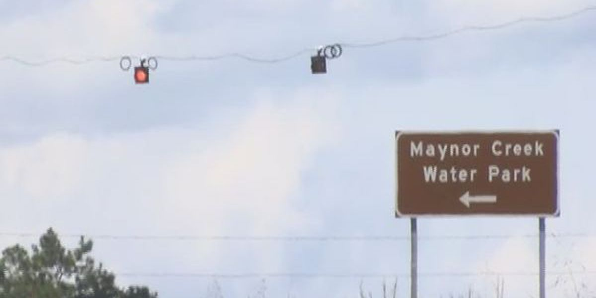 Caution lights installed at dangerous intersection in Wayne County