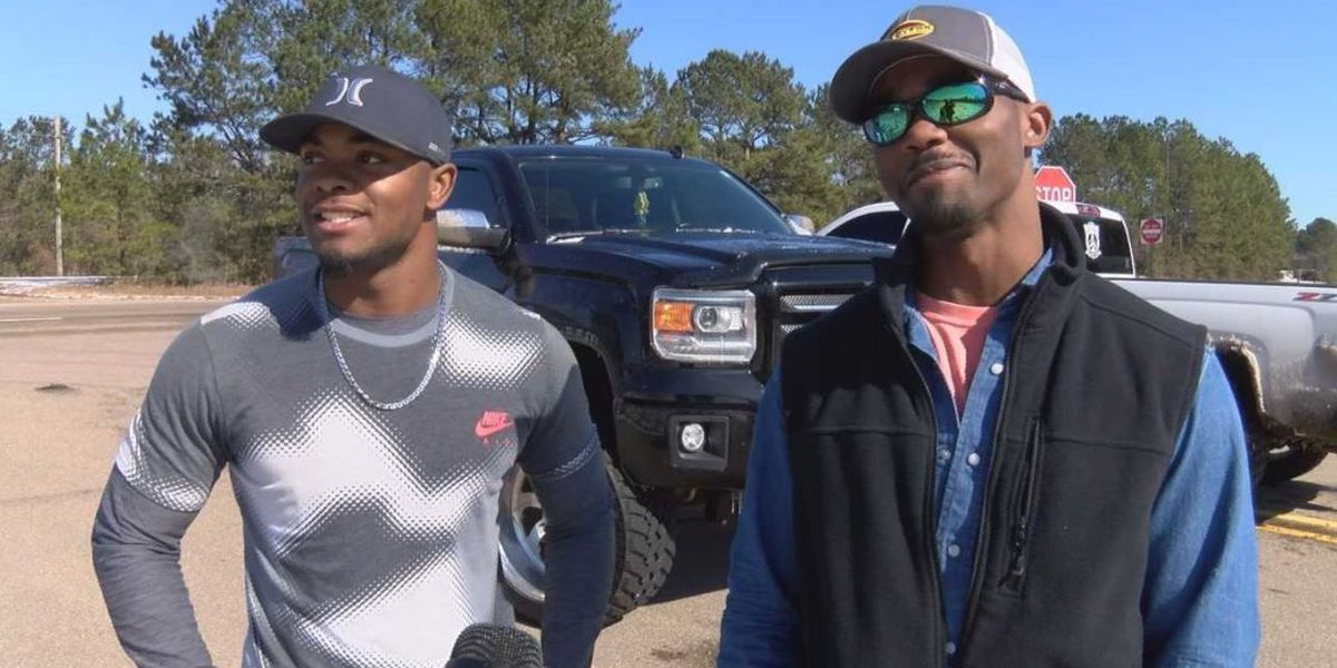 Brothers rescue motorists stranded on icy roadways