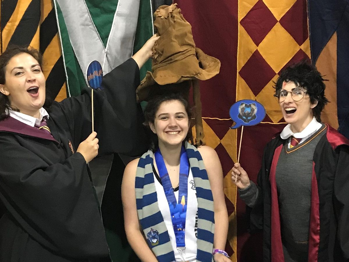'I expected nerd heaven and it was!': Teen with rare disease meets Harry Potter actors