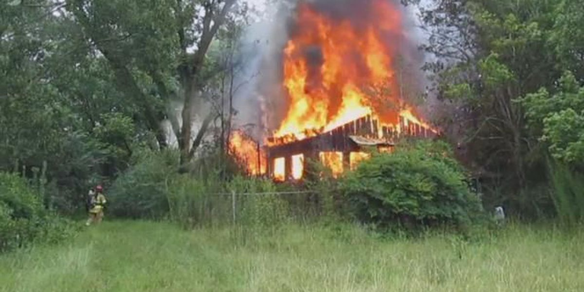 House catches fire in Jones County