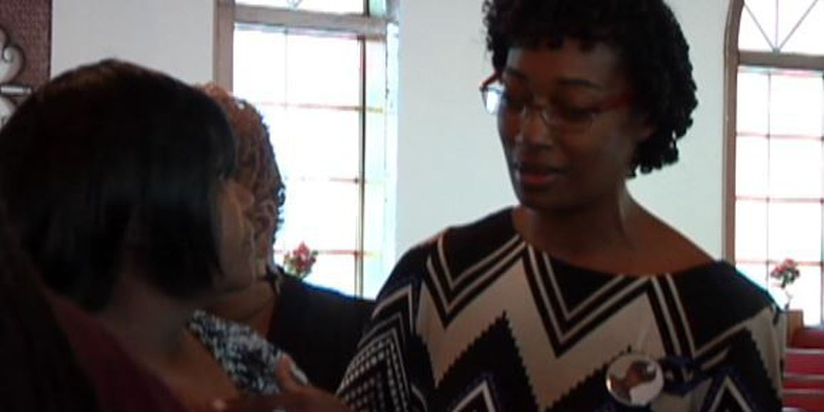 Officer Tate's family meets mother of 2 suspects in HPD killings