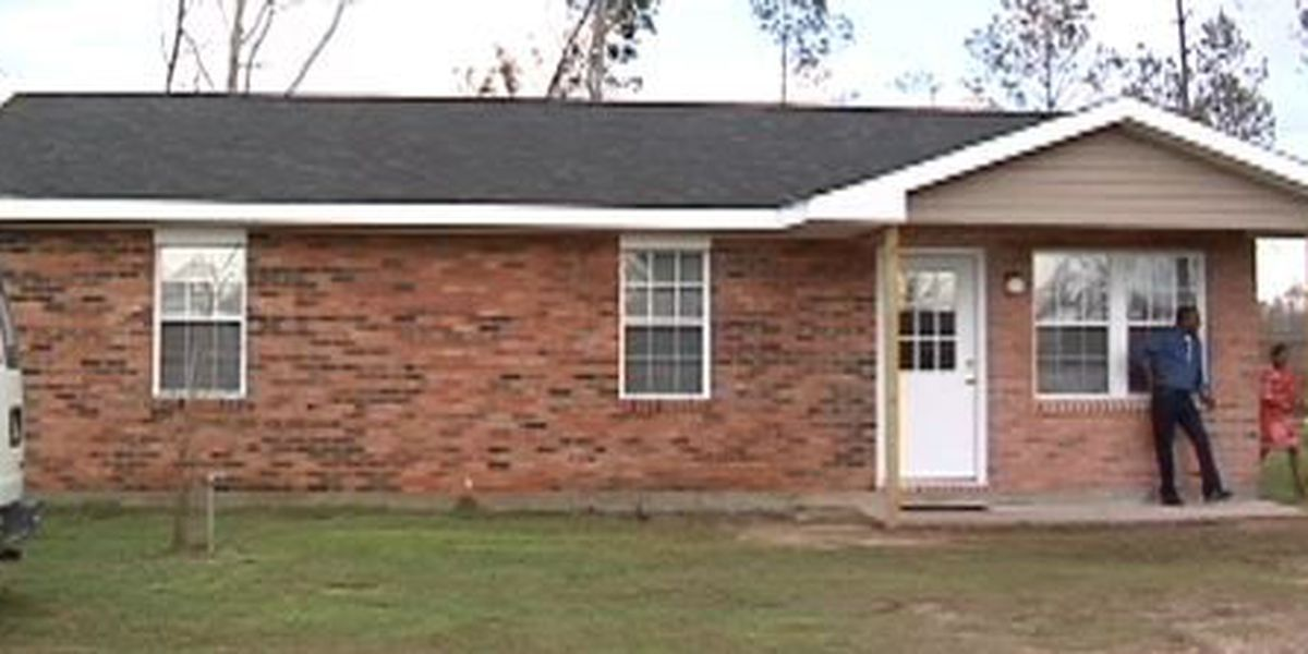 Columbia Strong holds dedication for completion of tornado damaged home