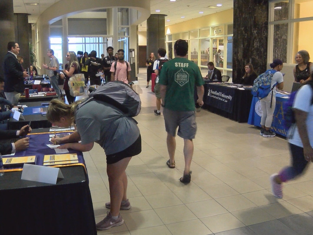 USM students attend law school fair