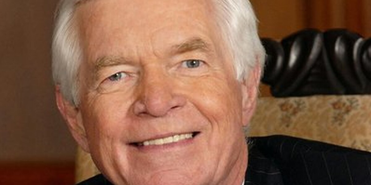 US Navy to name destroyer for Sen. Thad Cochran