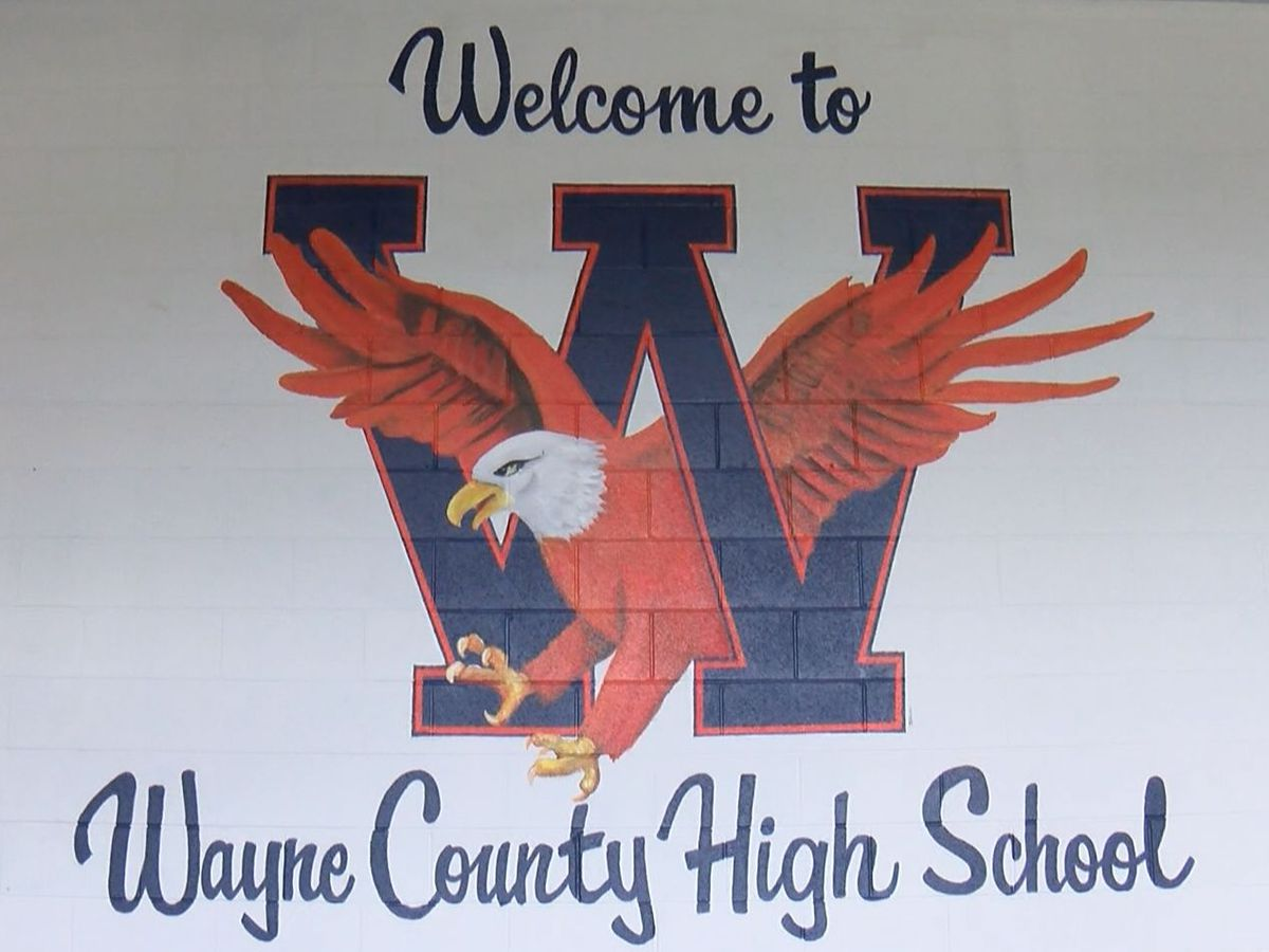 Wayne County High School switching back to online classes