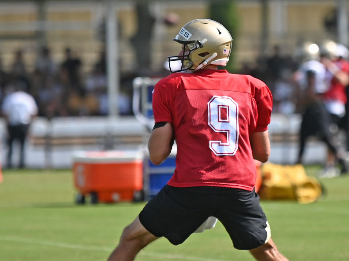 Saints veterans report to training camp; two players opt out