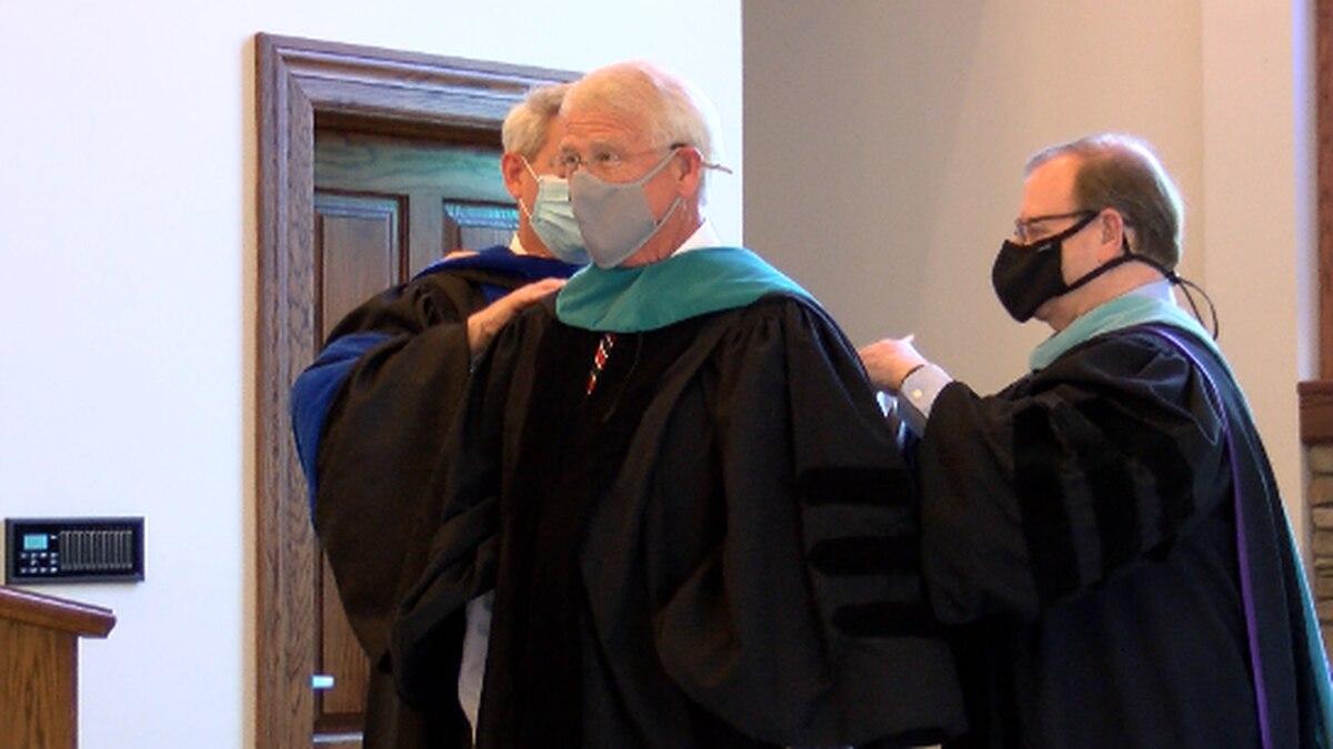 Sen. Wicker receives Public Service doctorate from WCU