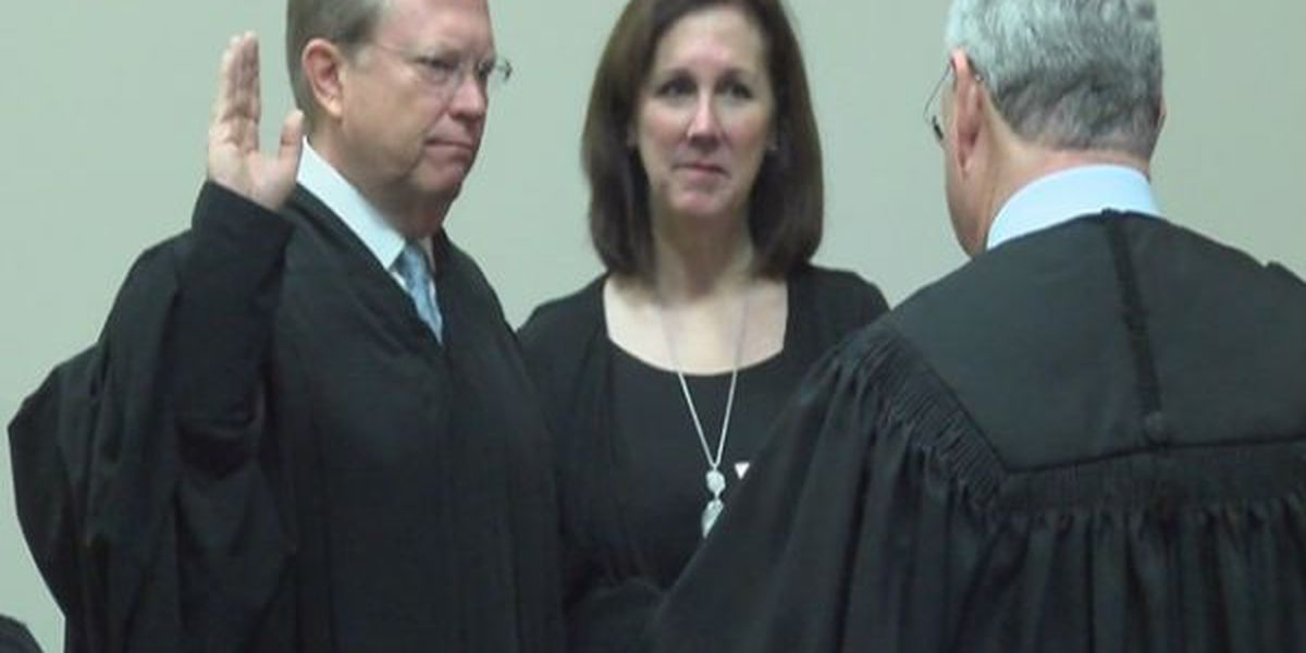 Jones County elected officials take oath of office